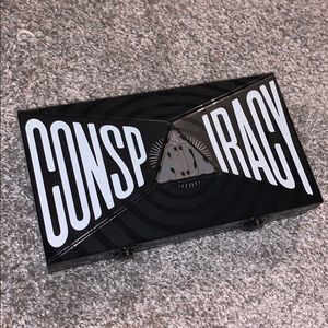 Conspiracy Palette